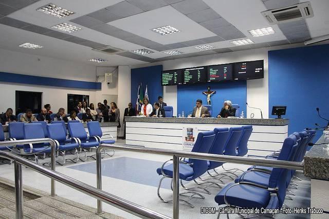 Câmara apresenta indicação para mudança do nome do estádio de Camaçari para Fernando Lopes