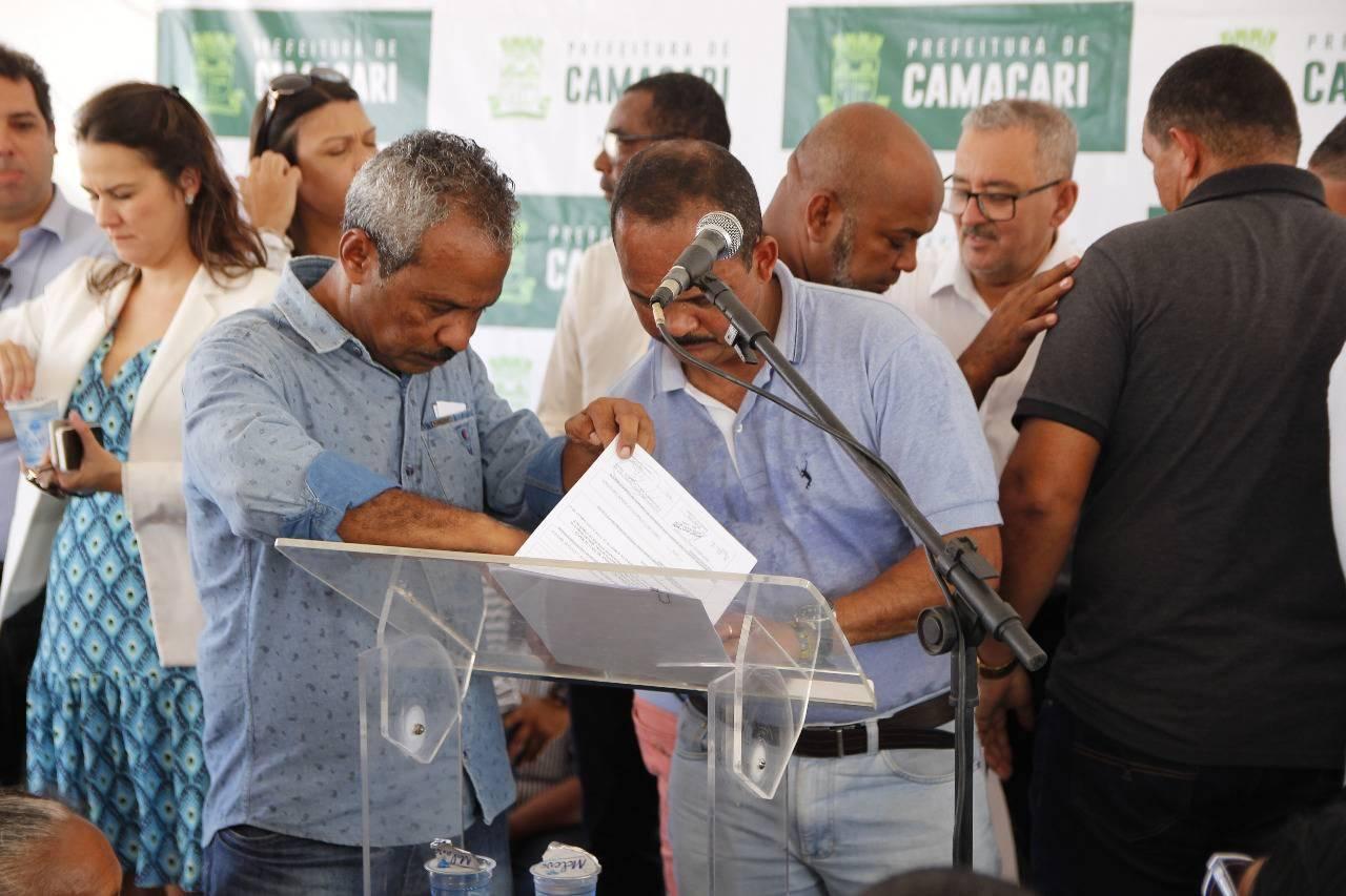 Prefeito assina Projeto de Lei na inauguração do Centro de Artes e Esportes Unificados (CEU)
