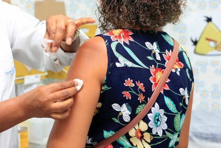 Vacinação contra gripe começa na segunda-feira em todo o País